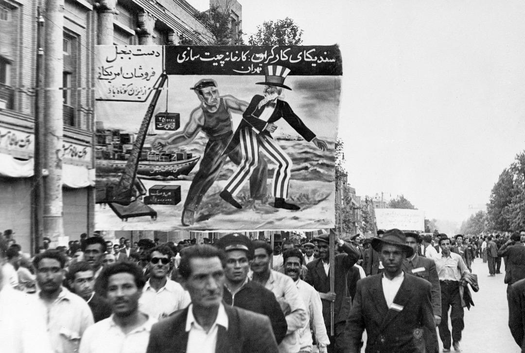 「反西方」在伊朗主要是一種政治上的意識形態,而不是現實中能夠不折不扣貫徹下去的道德戒律。