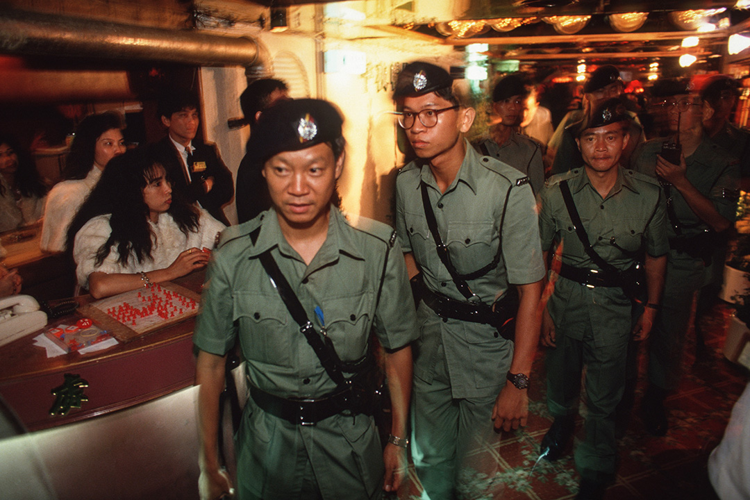 1992年8月1日,警方突擊搜查旺角的非法賣淫活動。
