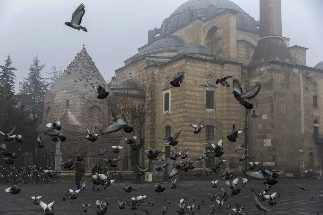 歷史文化名城科尼亞(Konya),是《聖經》裏大洪水過後第一個出現在地面上的城鎮,也是如今土耳其宗教氛圍最濃厚、文化傾向最保守的大都市之一。