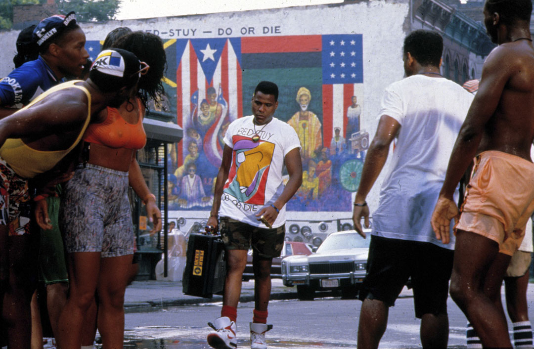1989年,Spike Lee導演的電影《Do the Right Thing 為所應為》。