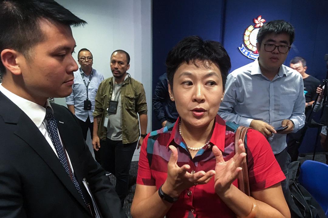 2019年8月20日,廣東廣播電視台記者陳曉前被指拍攝香港記者的大頭照。 圖:端傳媒