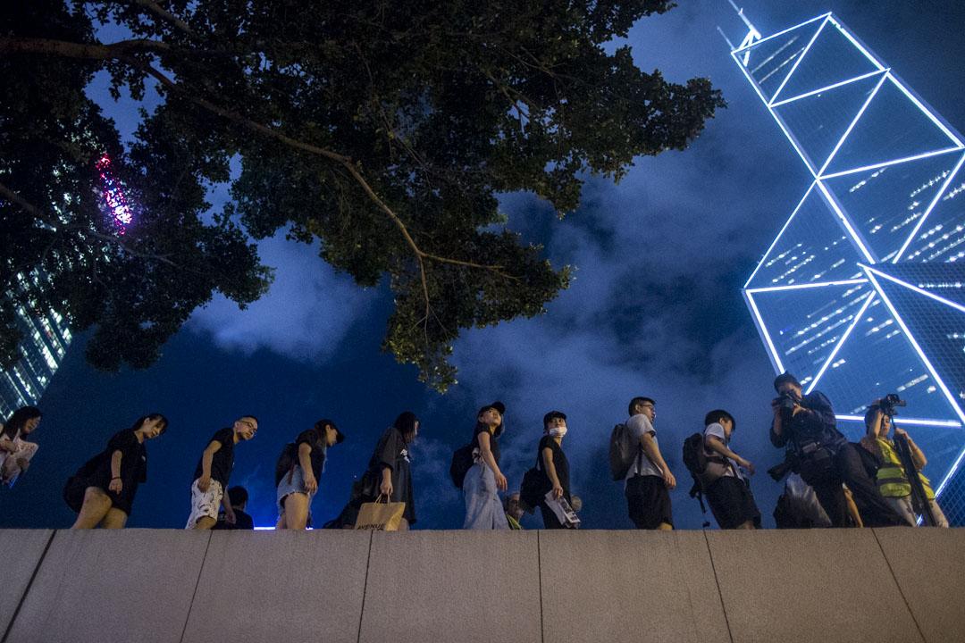 2019年8月16日,大專學界聯同連登網民「我要攬炒」團隊在香港遮打花園一同發起「英美港盟主權在民」晚會,呼籲國際社會關注香港事態。