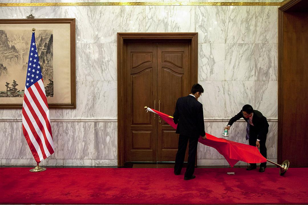 2013年5月27日,在美國國家安全顧問湯姆尼隆和中國國務委員楊潔篪在釣魚台國賓館的會議。 攝:Alexander F. Yuan-Pool/Getty Images
