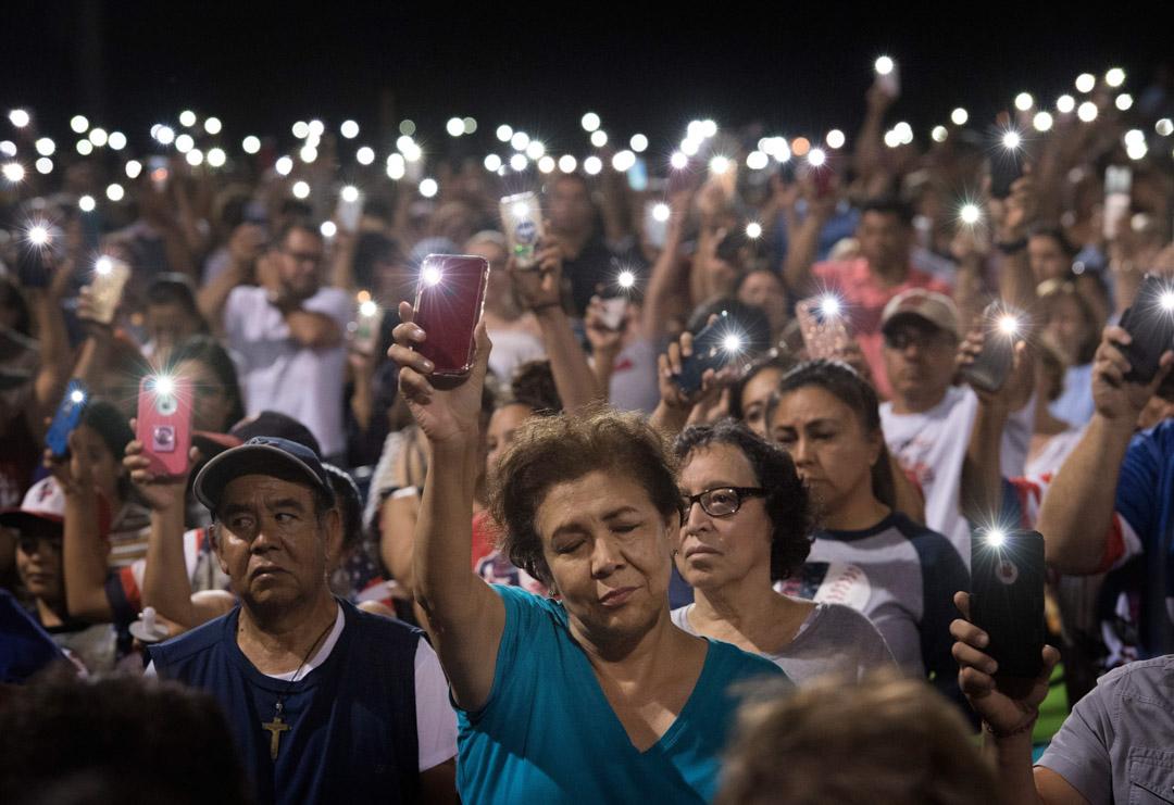 2019年8月4日,艾爾帕索槍擊案後一個祈禱會上。