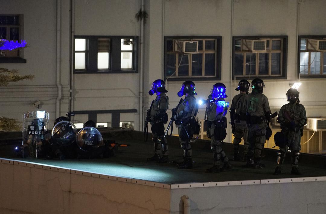2019年8月5日,深水埗警署駐守的警察。
