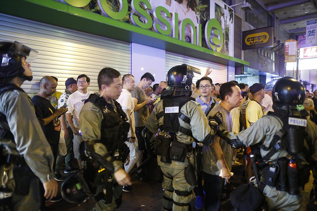 2019年8月11日,晚上北角,大量警察戒備。