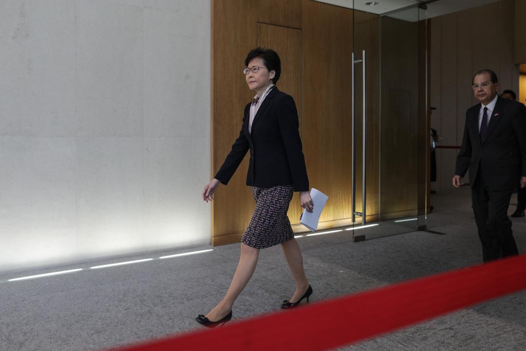 2019年8月5日,香港行政長官林鄭月娥率領司長級官員召開記者會,回應連日來的警民衝突以及當天發生的大罷工行動。 攝:Stanley Leung/端傳媒