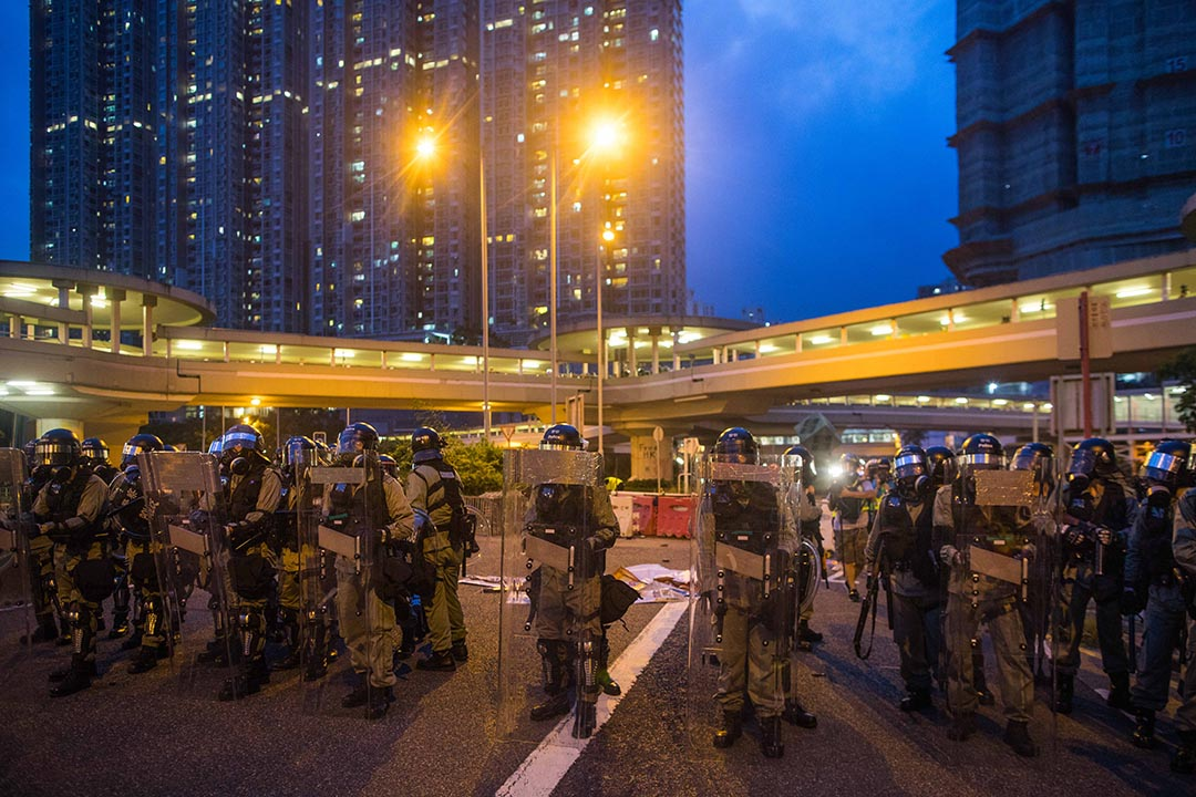 大圍防暴警察。