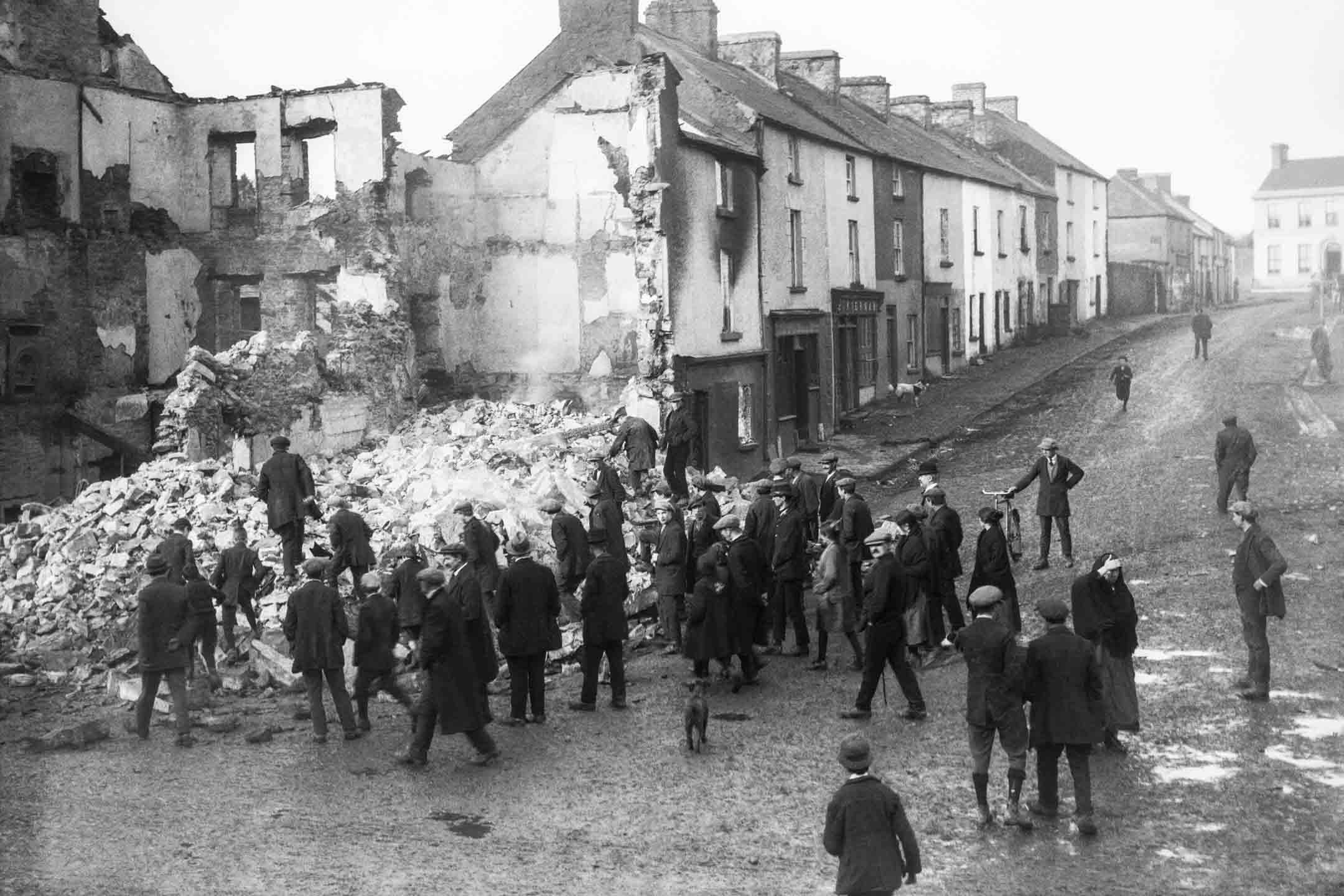 在愛爾蘭獨立戰爭期間,都柏林的一個戰後廢墟。 攝:Getty Images