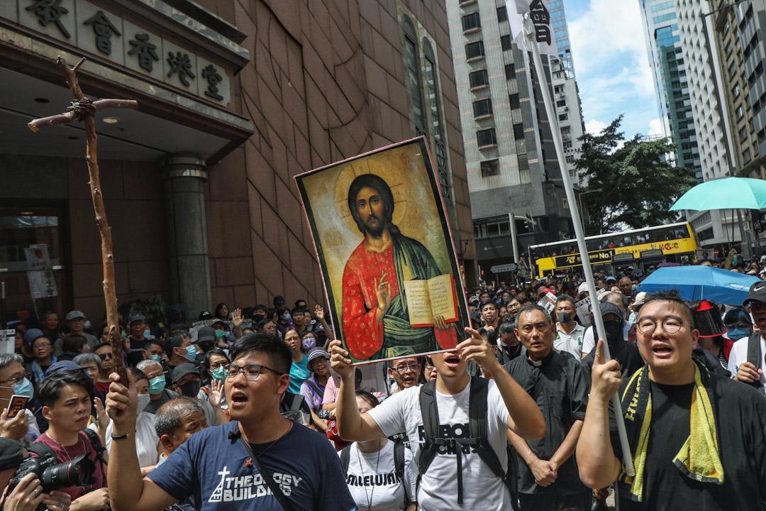 基督徒遊行,市民人數眾多。