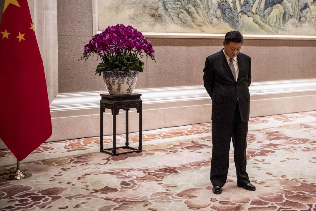 2018年6月21日,國家主席習近平在北京釣魚台國賓館等待外賓的前來。