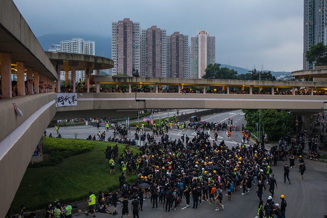 大圍示威者集結。