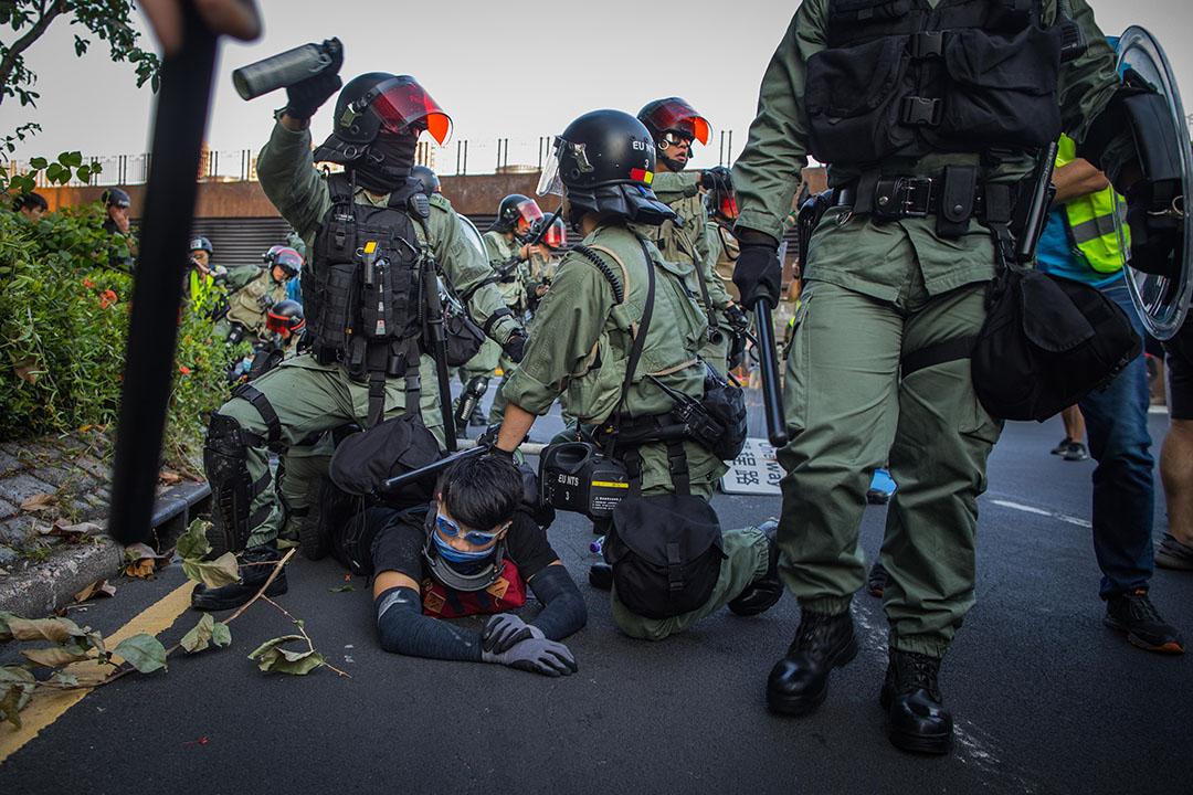 2019年9月22日,沙田衝突中,警察拘捕示威者。