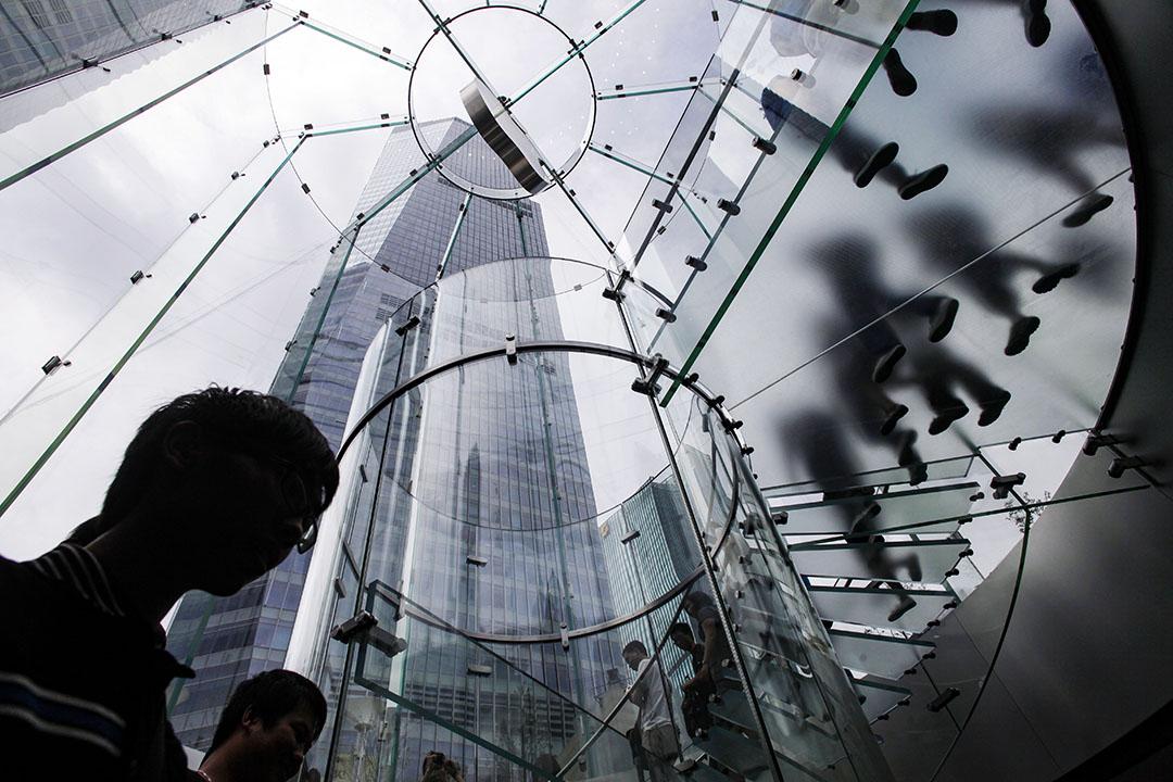 2010年7月10日,蘋果公司在中國上海的新旗艦店。 圖:Pictures Ltd./Corbis via Getty Images