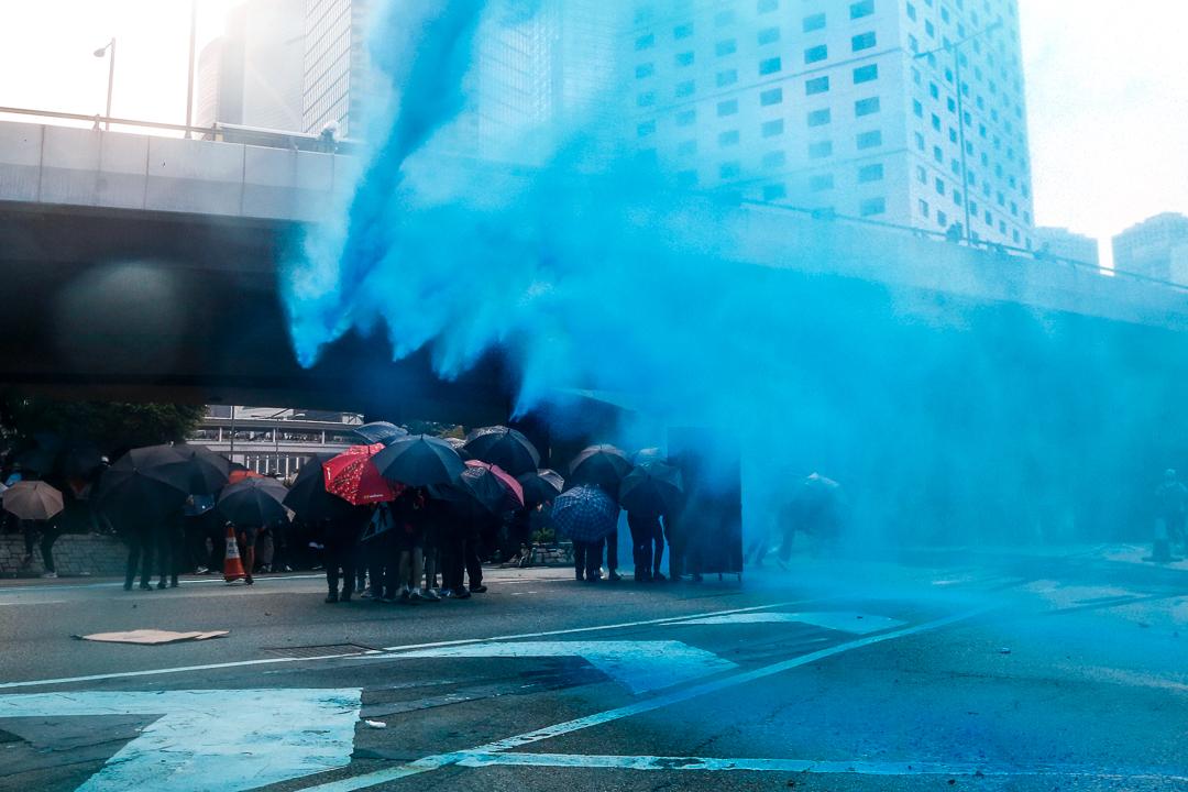 2019年9月29日,警方在遊行期間使用裝有顏色水的水炮車。