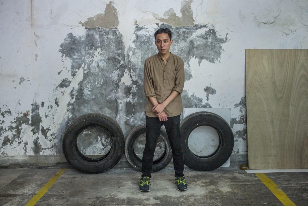 中國大陸樂評人邱大立在微博推薦黃衍仁的音樂時,寫了這樣一句話:「做一個逆風吐痰的人,做一個不留後路的人。」