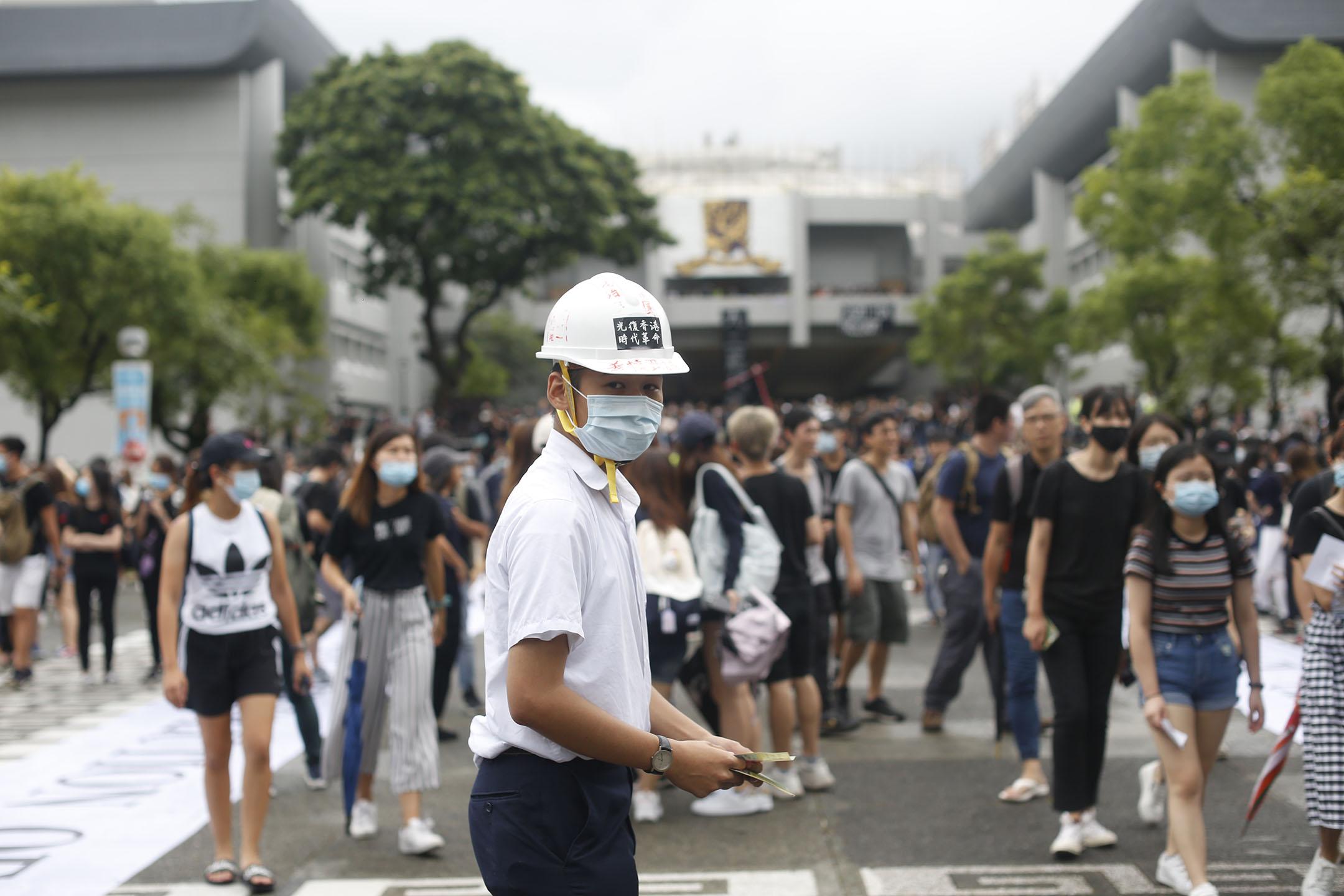 9月2日,中文大學百萬大道,學生參與罷課集會。 攝:林振東 / 端傳媒