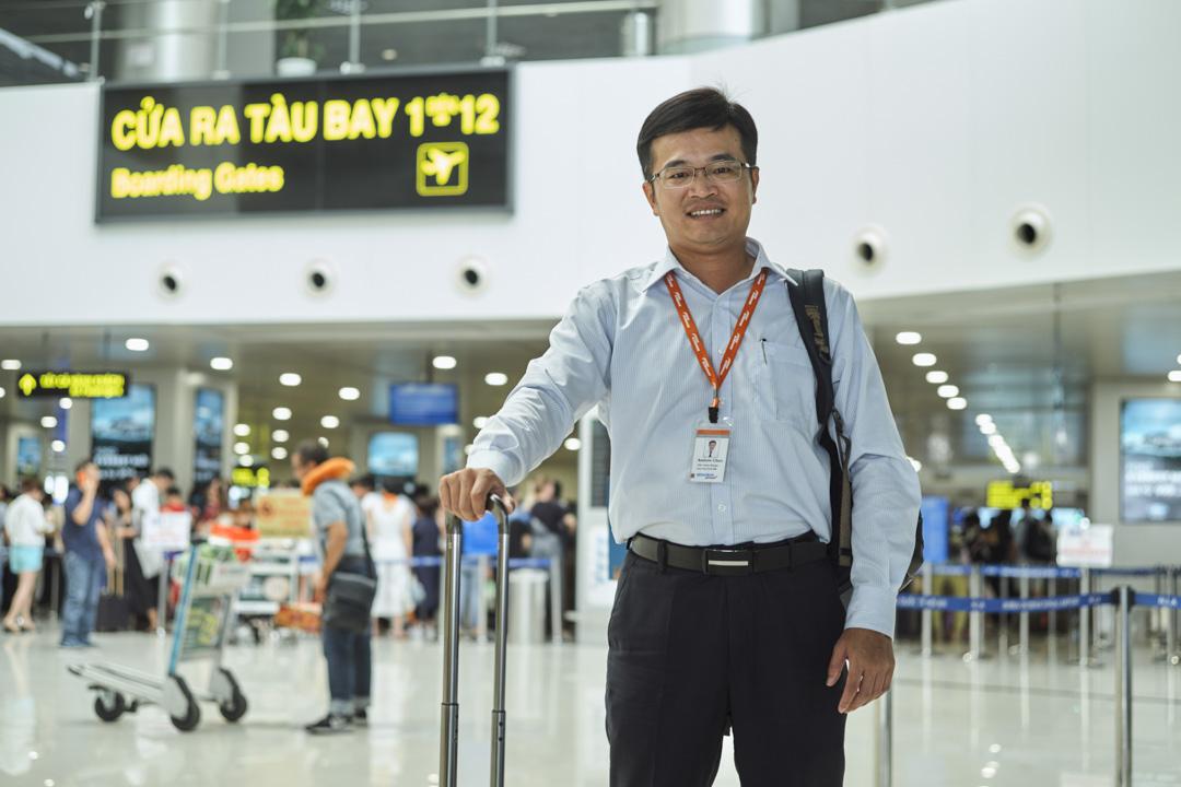 在河內機場的陳皎麟。