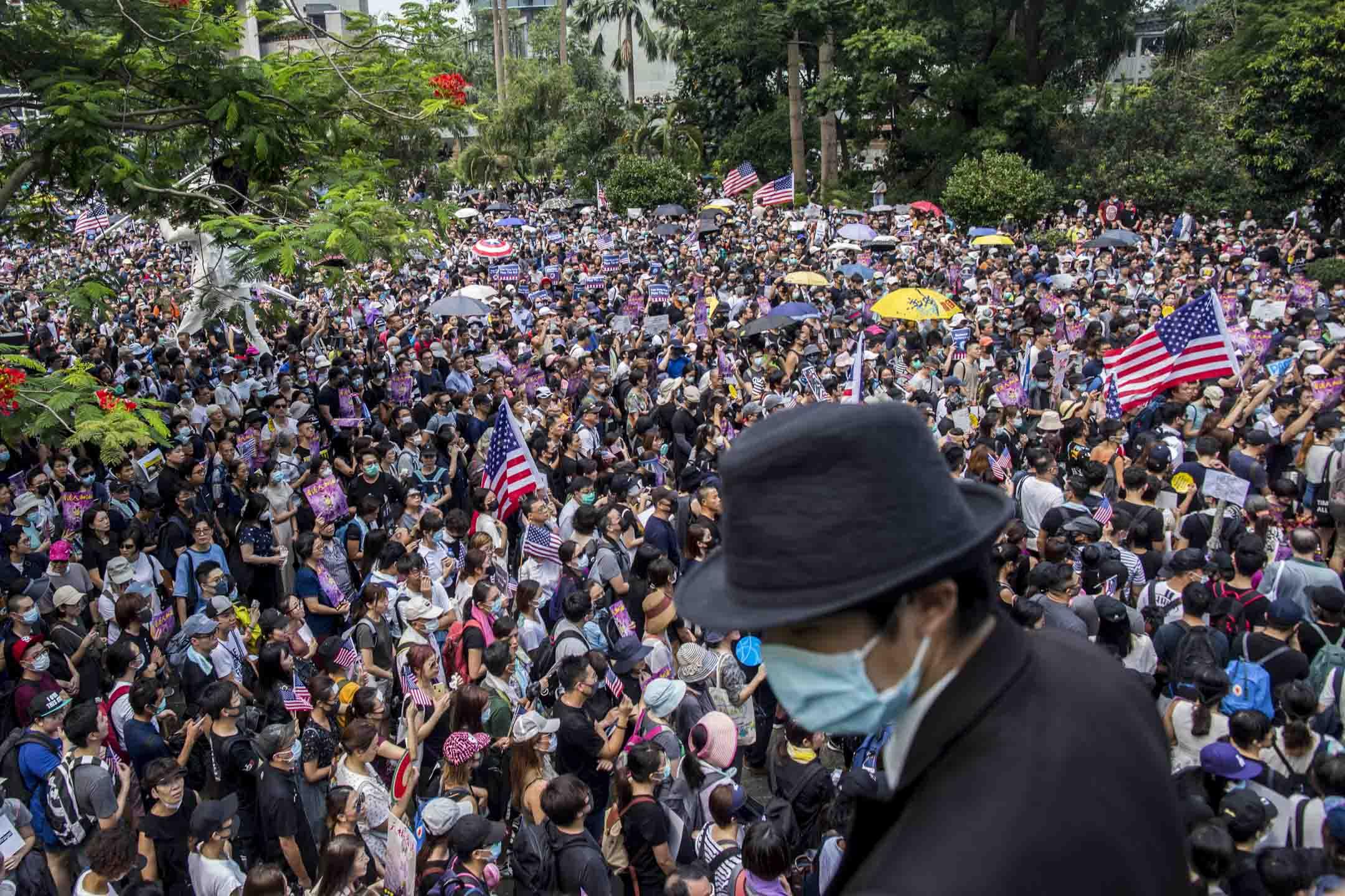 2019年9月8日,有網民發起在中環遮打花園舉行「香港人權與民主祈禱會」,隨後遊行至美國駐港總領事館。 攝:林振東/端傳媒
