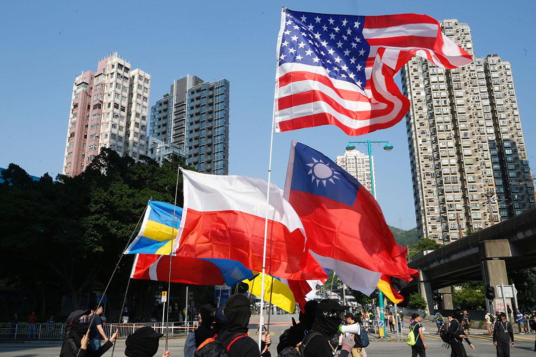 9月21日,屯門公共衛生關注組發起「光復屯門公園」遊行。