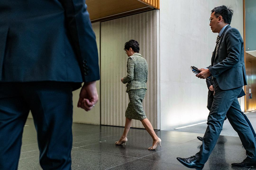 2019年9月24日,香港行政長官林鄭月娥在特首辦的新聞發布會後離開。 攝: Anthony Kwan/Getty Images