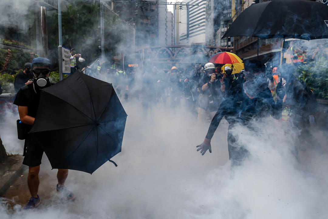2019年9月29日,警方在銅鑼灣崇光百貨外發射催淚彈。