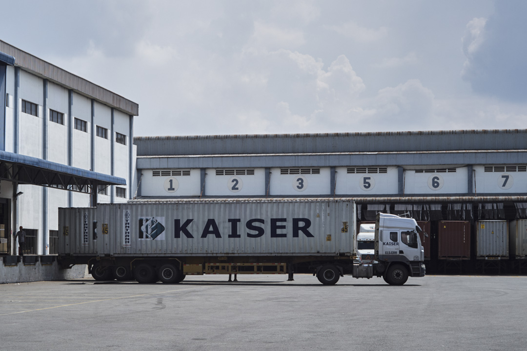 在凱勝傢俱位於越南的廠區,每個月出口北美市場的成品超過1000只貨櫃。