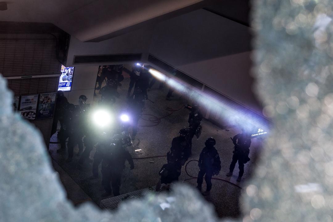 2019年9月29日,警方在灣仔港鐵站內戒備。