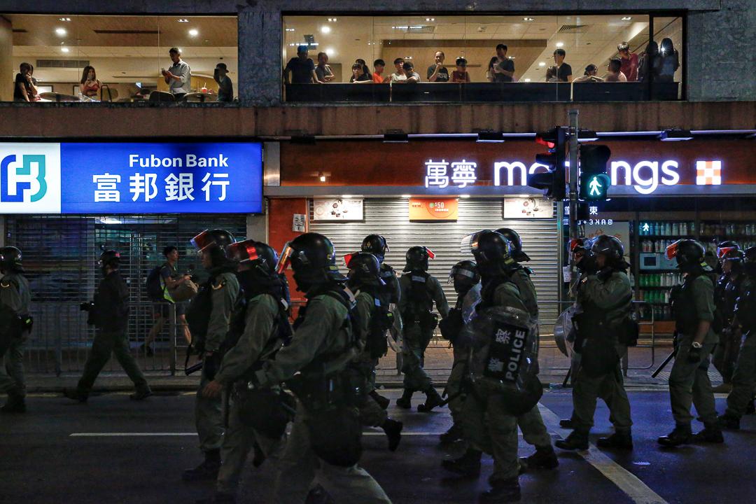 2019年10月5日晚上,防暴警在元朗出動。