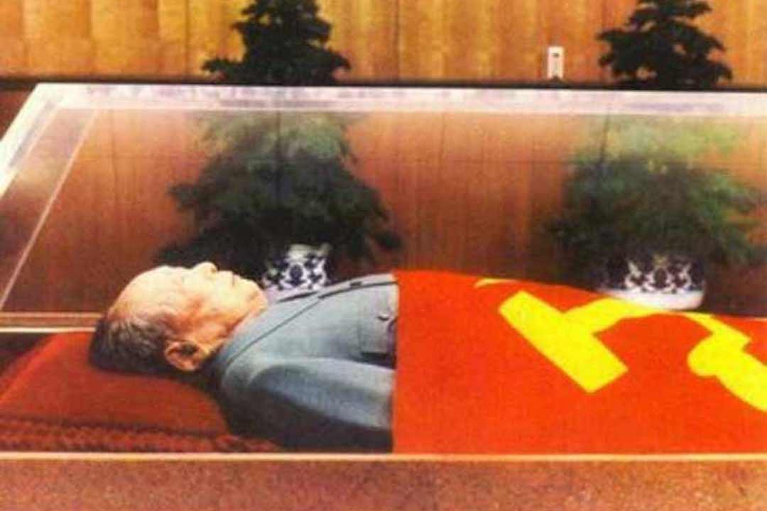毛澤東紀念堂水晶棺。
