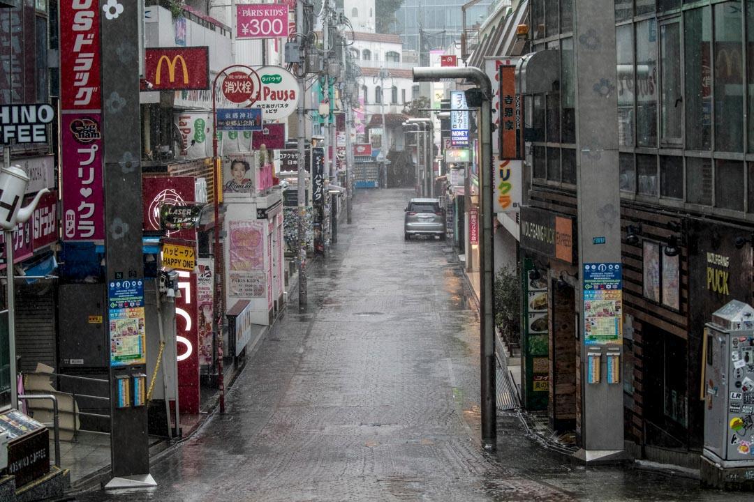 2019年10月12日,東京原宿區竹下街是東京市最著名的購物區之一,颱風吹襲期間街上空無一人。