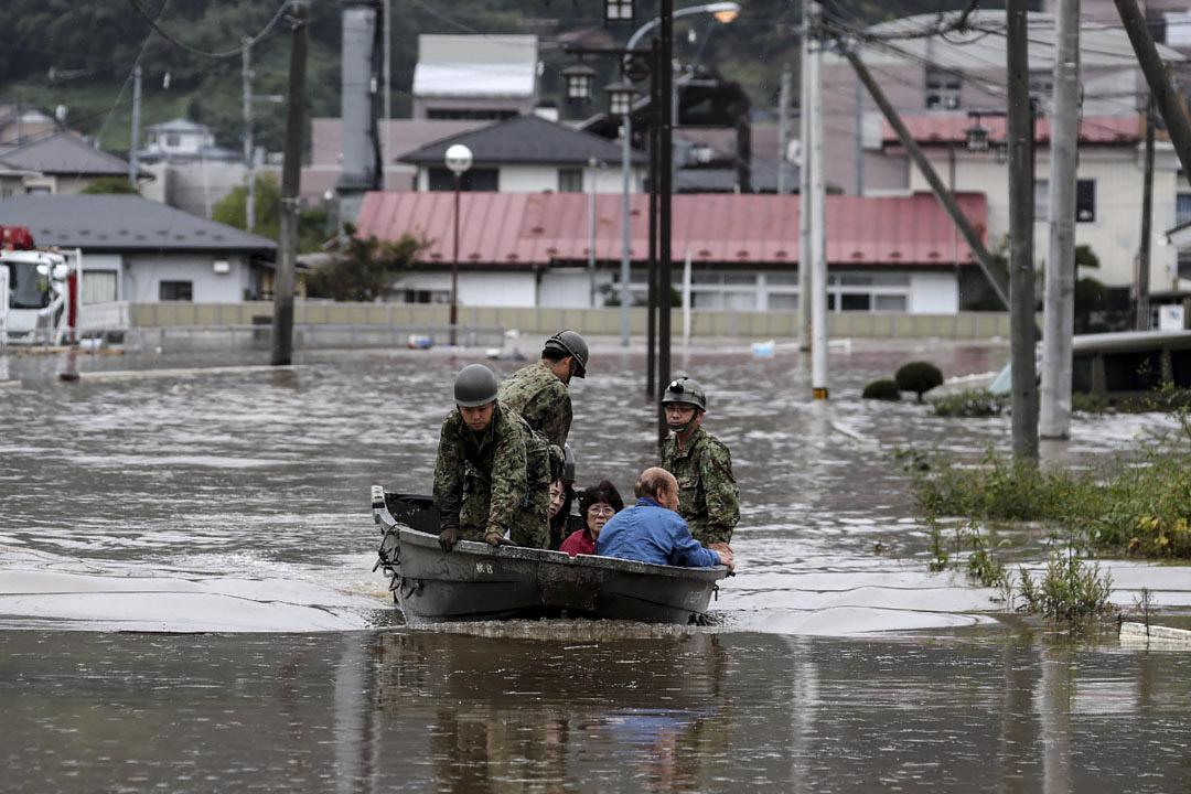 2019年10月14日,日本自衛隊於在宮城縣丸盛市進行搜救行動。