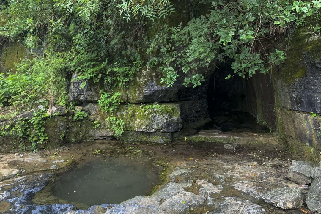 黃瓜沖天坑附近的的水潭。