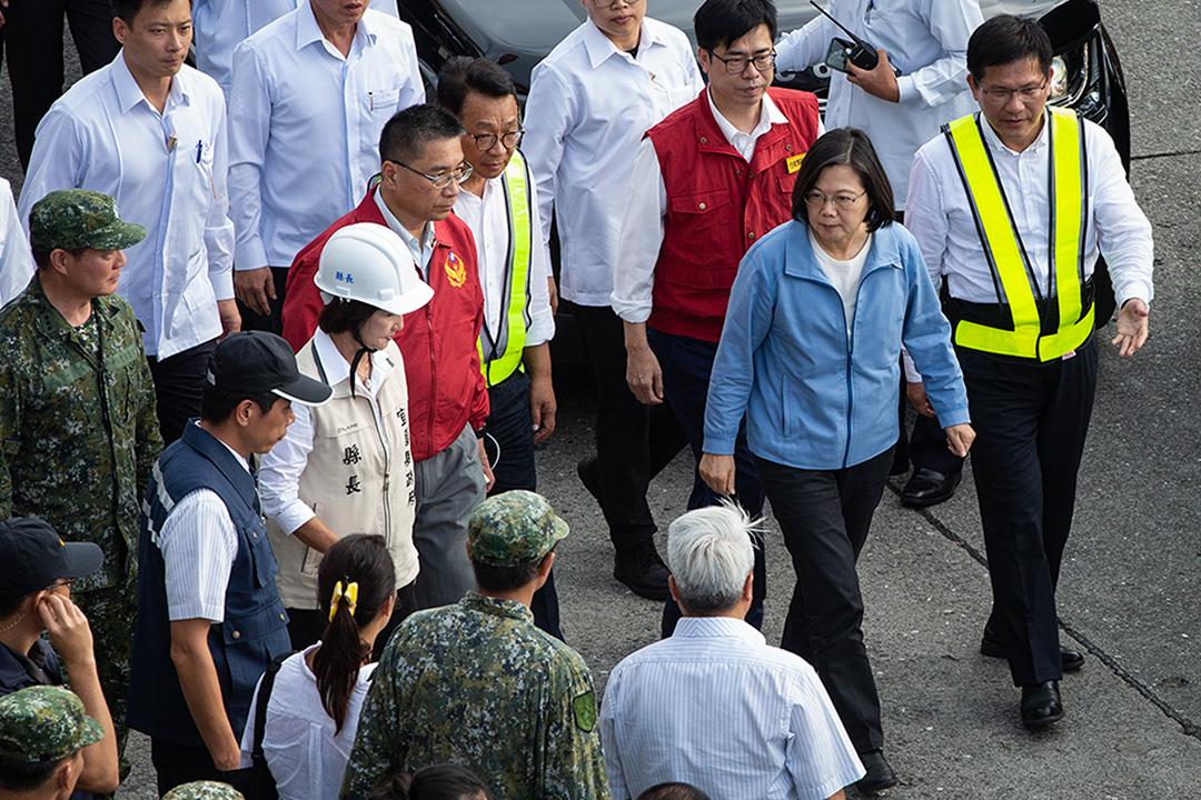 2019年10月1日上午9時30分,位於台灣宜蘭南方澳的跨港大橋突然斷裂,總統蔡英文到場視察。