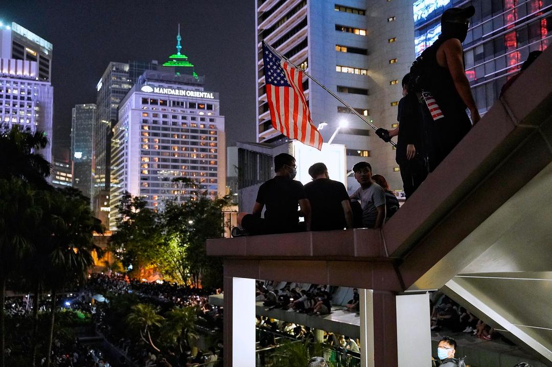 2019年10月14日,市民在中環遮打花園集會,要求美國通過《香港人權與民主法案》。