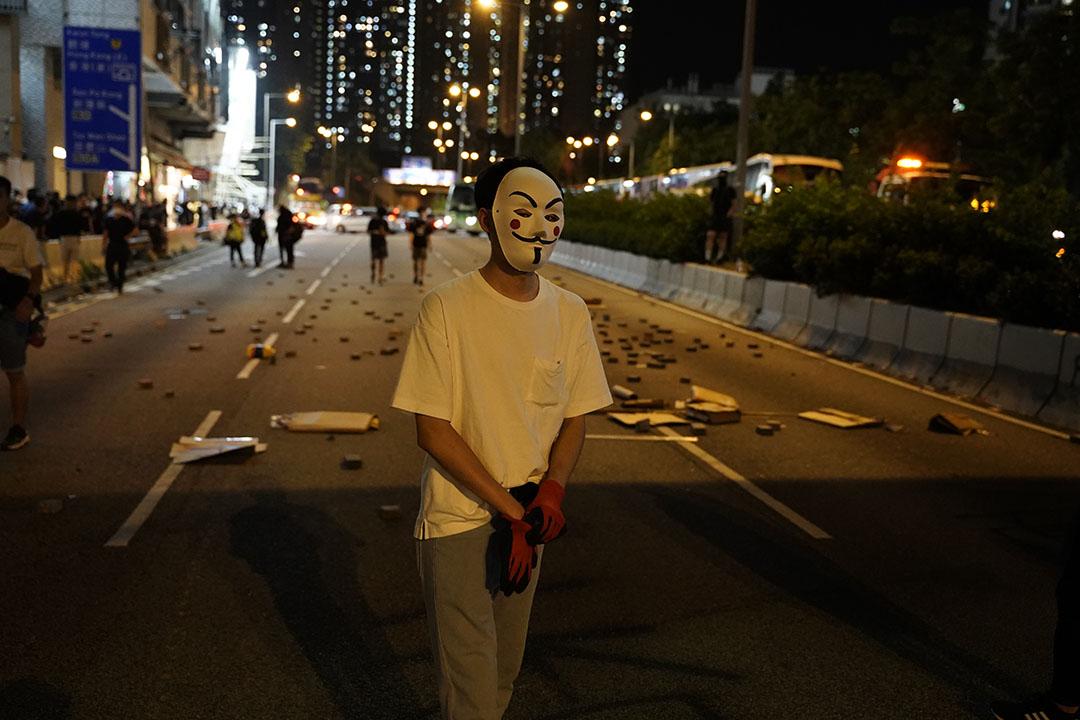 10月4日,晚上九點半左右,黃大仙的示威者。