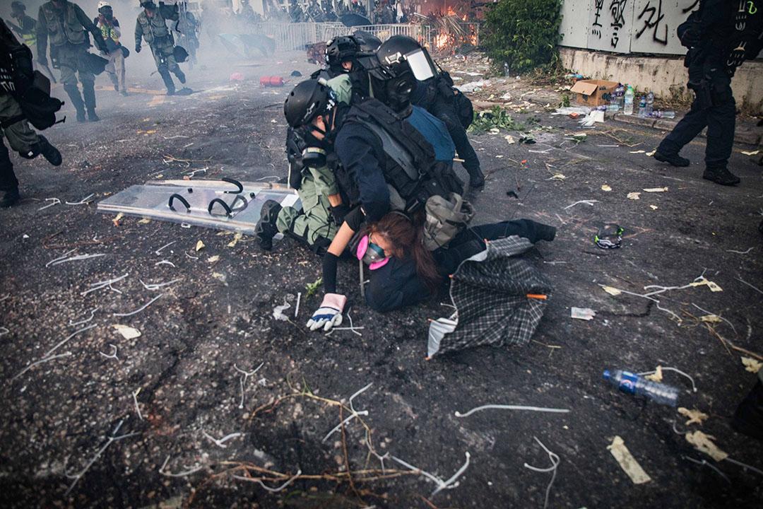 2019年10月1日,沙田,警察逮捕示威者。