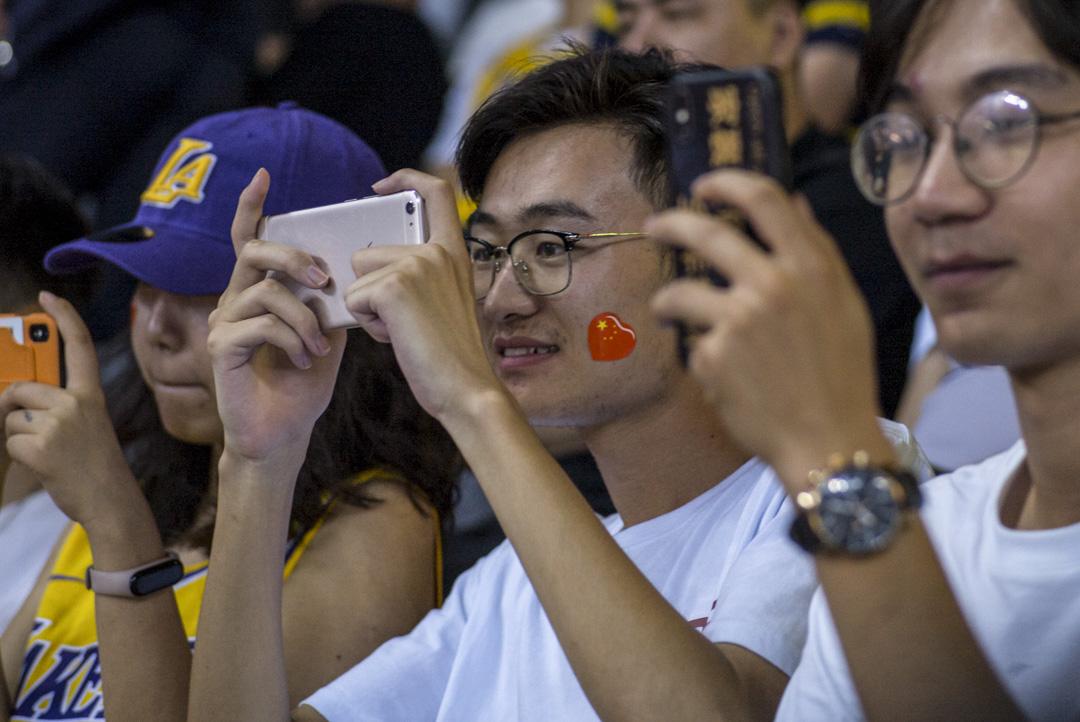 2019年10月12日,NBA中國賽深圳站湖人對籃網現場。