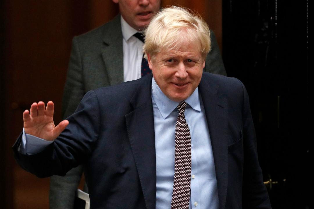 2019年10月24日,英國首相約翰遜召開內閣會議後離開唐寧街10號。 攝:Adrian Dennis/Getty Images