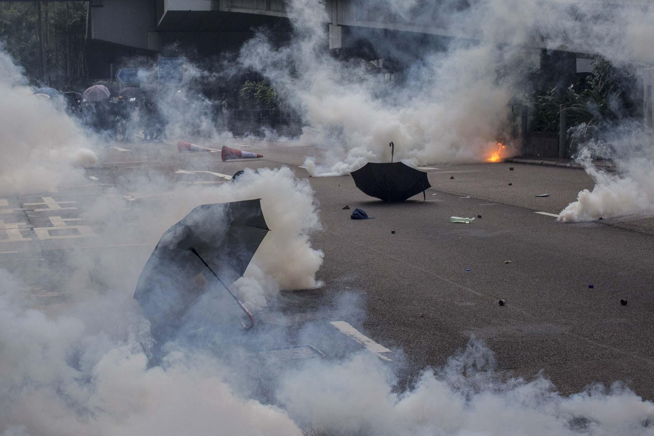 2019年9月29日,金鐘衝突現場的雨傘。 攝:林振東/端傳媒