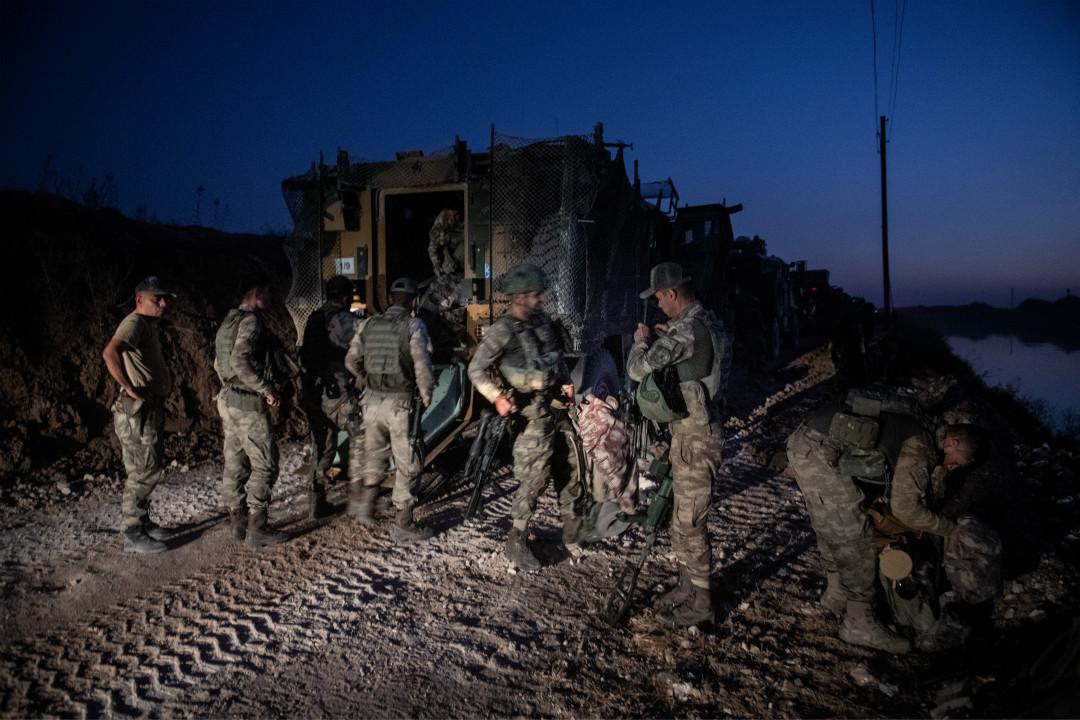 2019年10月9日,第一批土耳其士兵從 Akcakale 進入敘利亞北部邊境。 攝:Burak Kara/Getty Images