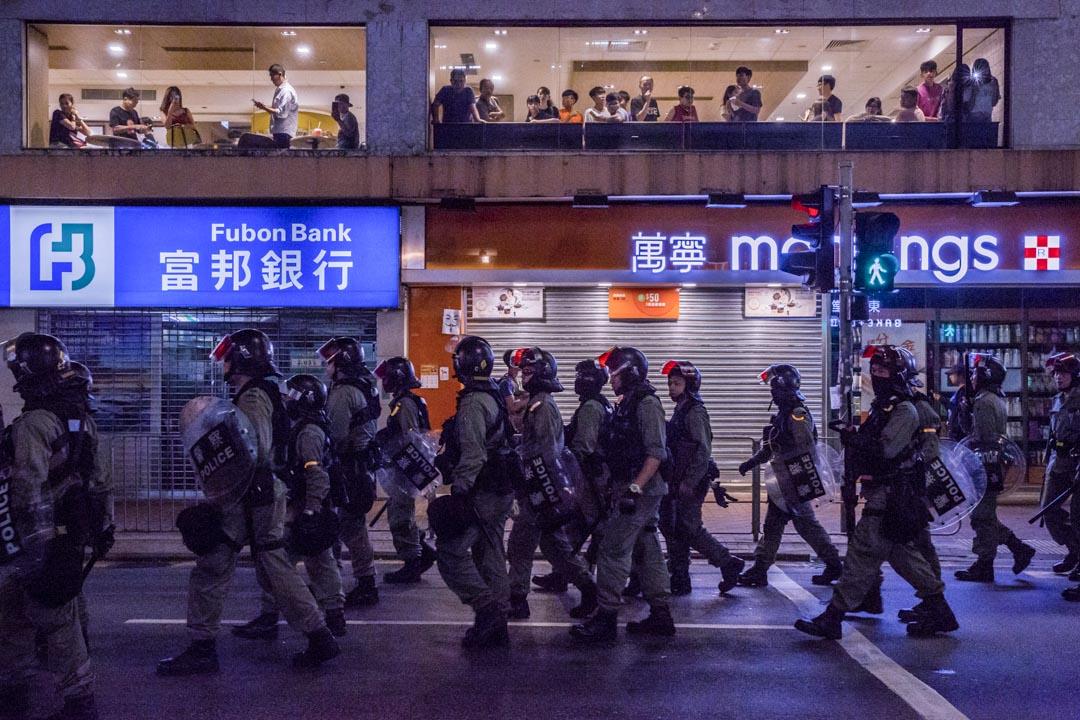 2019年10月5日,防暴警察在元朗區巡邏。