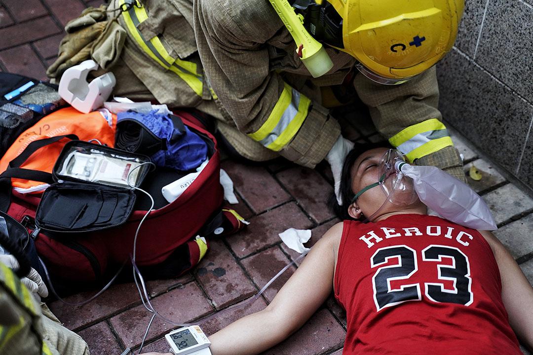 10月6日,下午五點左右,灣仔,一名菲律賓藉女子吸入催淚煙後不適送院。