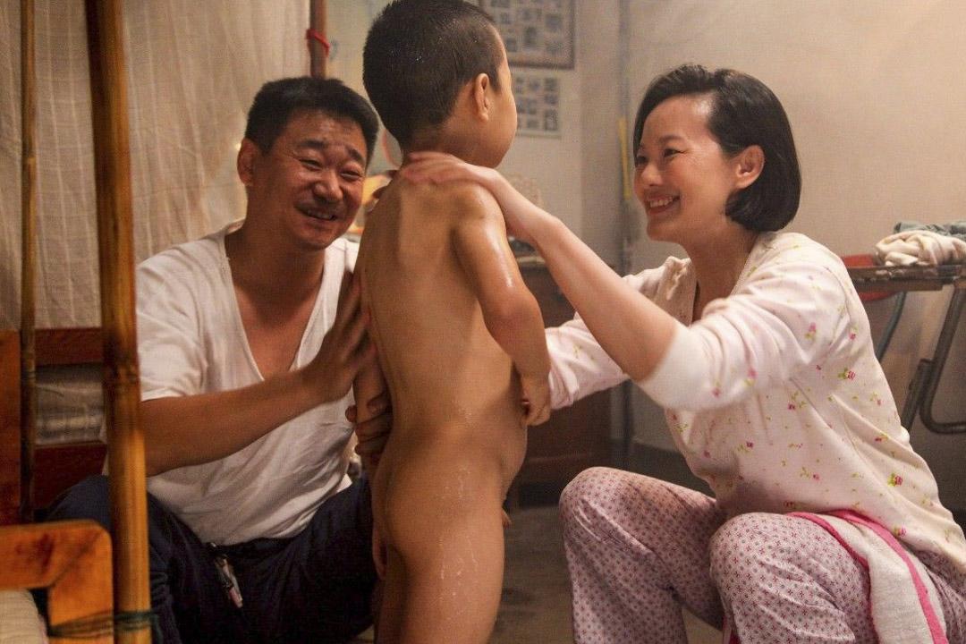 奪得柏林影帝的《地久天長》王景春獲最佳男主角提名。