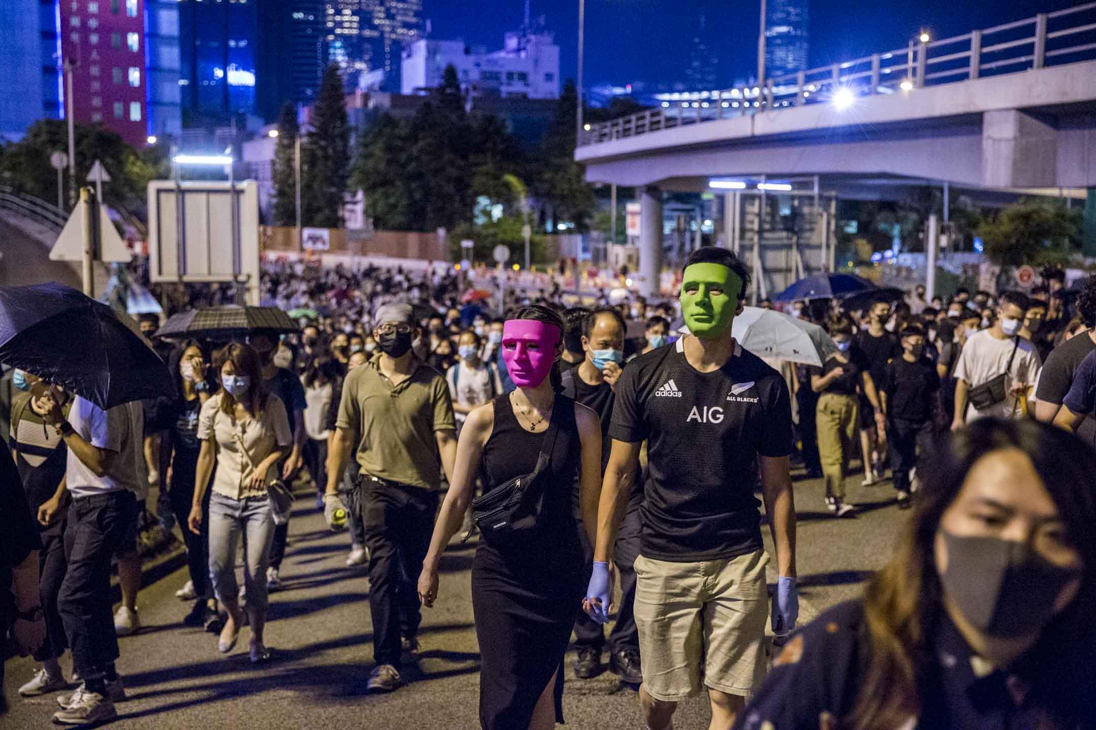 2019年10月4日,港島示威者抗議政府以緊急法立反蒙而法。