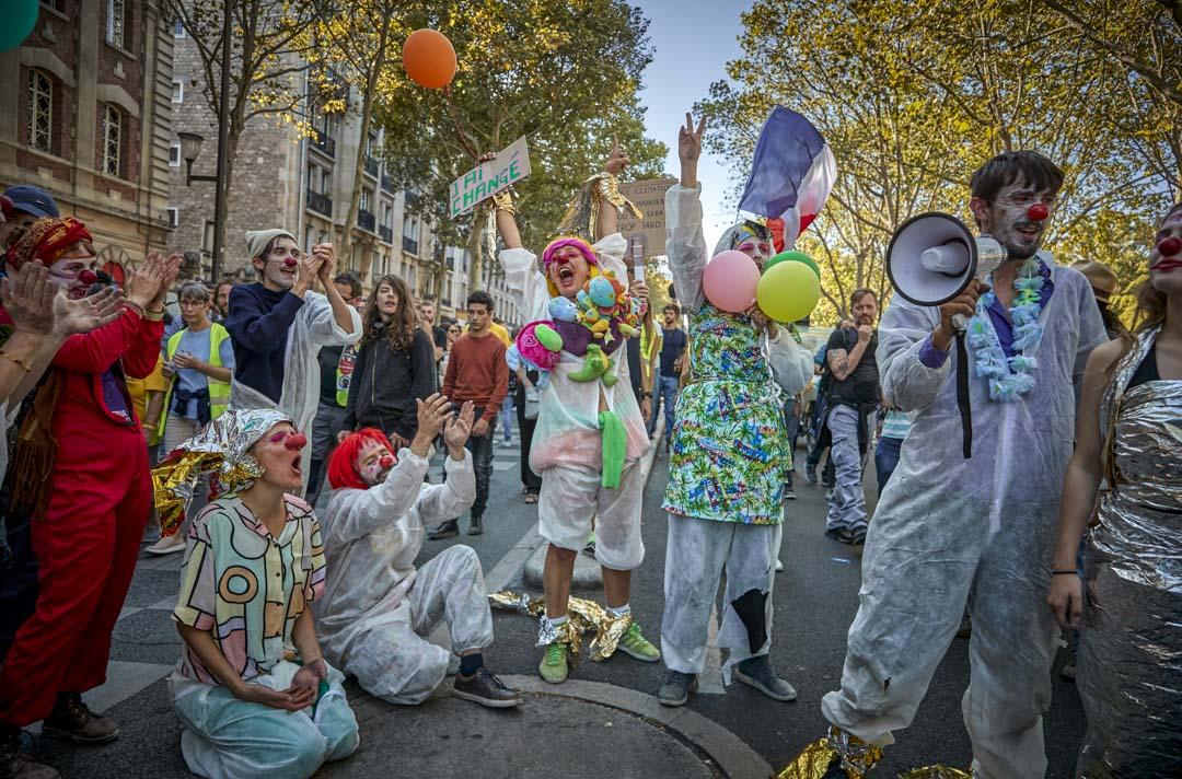 2019年9月21日,巴黎的關注氣候大遊行與黃背心運動融合在一起。