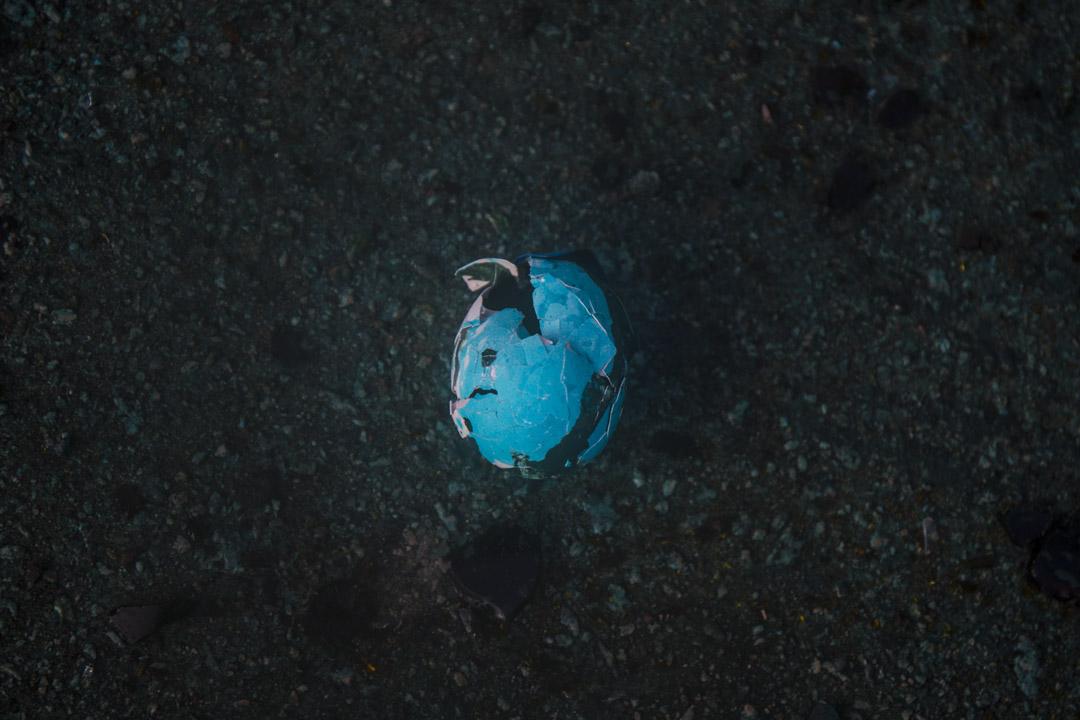 2019年11月17日,理工大學外一個被藍色水射中的頭盔,並已破裂。