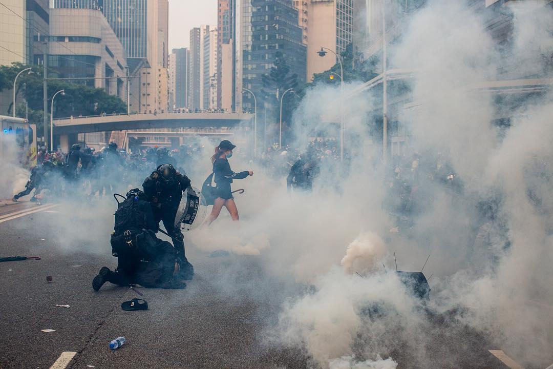 2019年9月29日,警方在金鐘施放催淚彈並拘捕多名示威者。