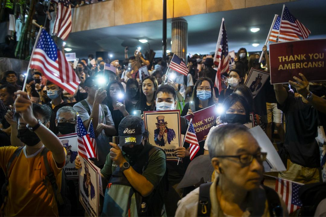 2019年10月14日,香港抗議者集會,支持美國通過《香港人權與民主法案》。 攝:Chan Long Hei/Getty Images
