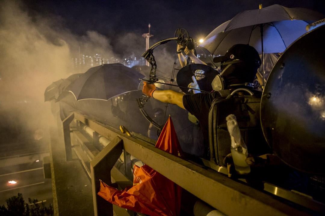2019年11月12日,香港中文大學,警察與示威者發生衝突。